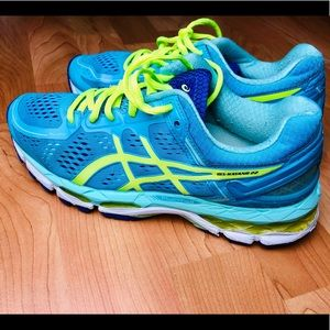 ASICS Gel Kayano 22 Womens Size 7 Running Shoes